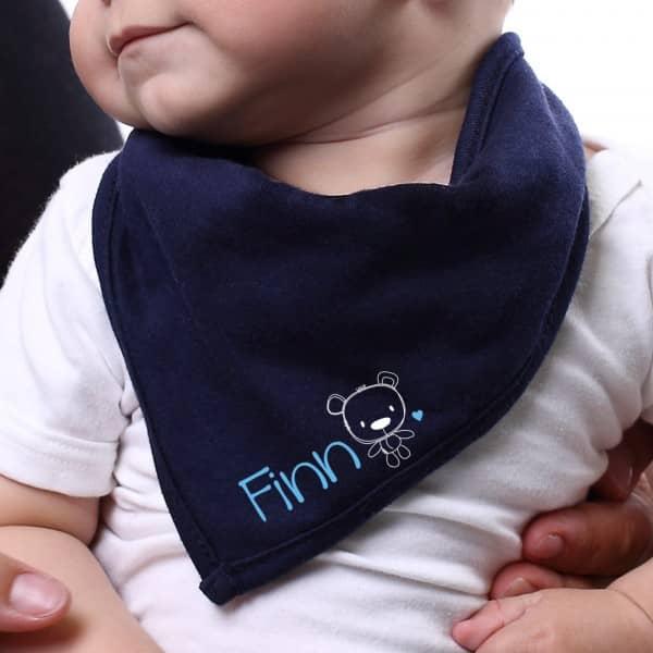 Praktisches Halstuch für Babys mit Aufdruck