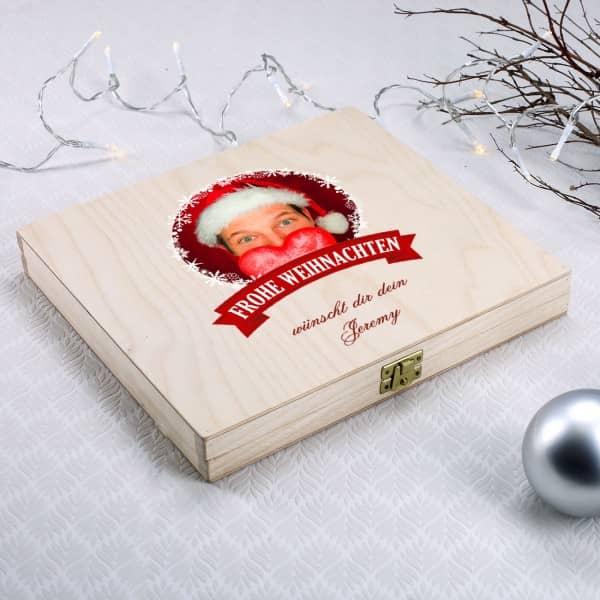 Ihr Foto auf der weihnachtlichen Geschenkverpackung