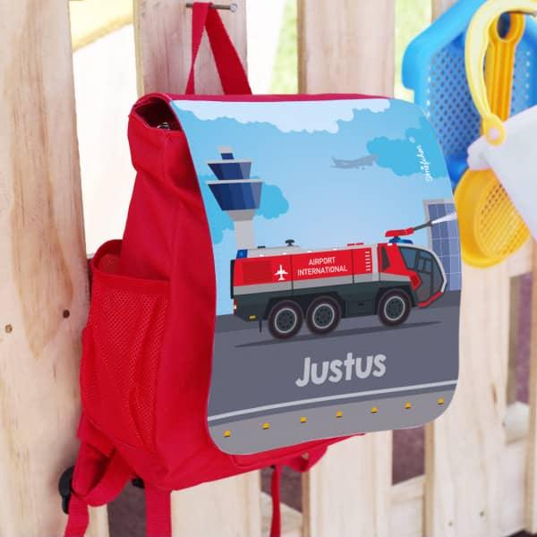Kinderrucksack mit Flughafen-Feuerwehr Löschfahrzeug und Name