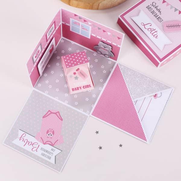Überraschungsbox zur Geburt, Babygeschenk für Mädchen Detailbild geöffnet