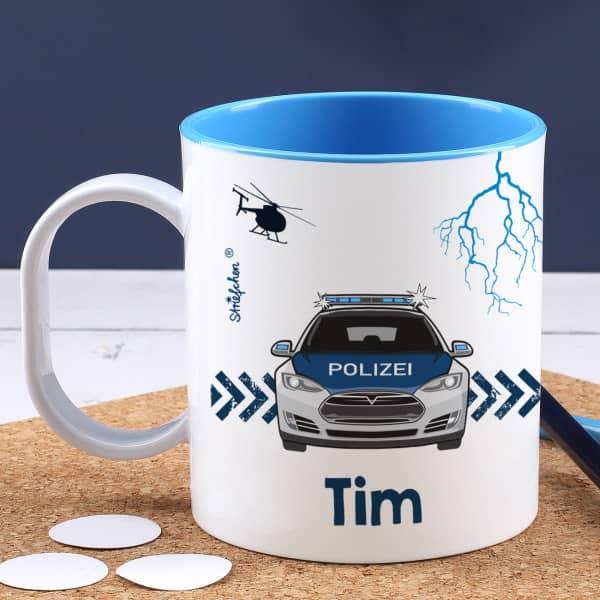 Blaue Kunststofftasse mit Polizeiauto und Ihrem Wunschnamen bedruckt