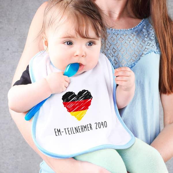 Lätzchen blau mit Deutschlandherz