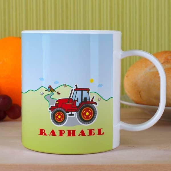 Kindertasse mit rotem Traktor und Name