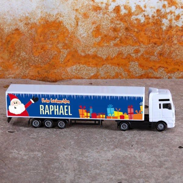 weihnachtlicher LKW mit Aufdruck