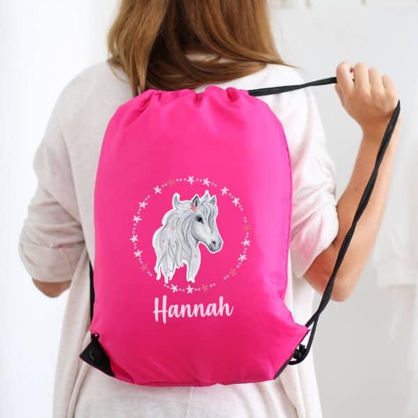 Sportbeutel mit Pferd, Blüten und Name