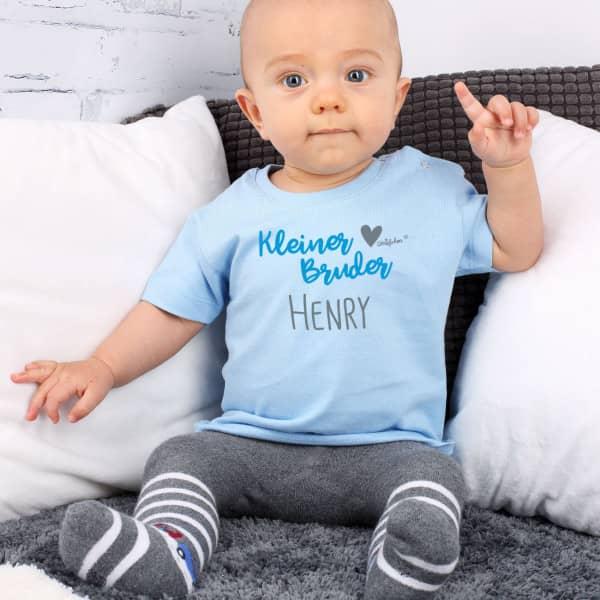 Hellblaues Babyshirt für den kleinen Bruder
