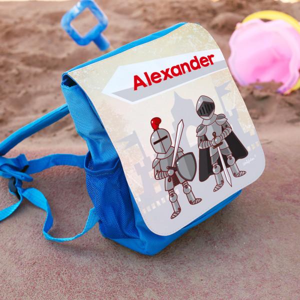 Kinderrucksack in blau mit Rittermotiv und Namensaufdruck