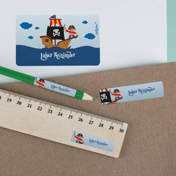 Aufkleberset mit Piratenschiff und Namensaufdruck