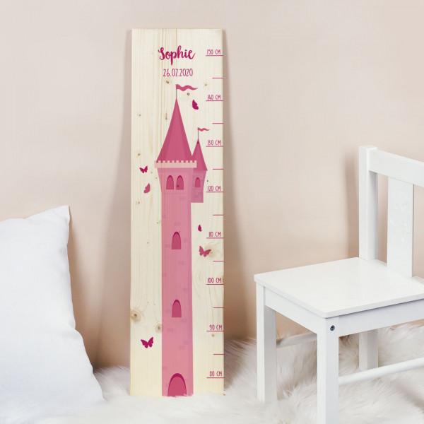 Messlatte aus Holz mit Prinzessinnenturm und Name und Datum