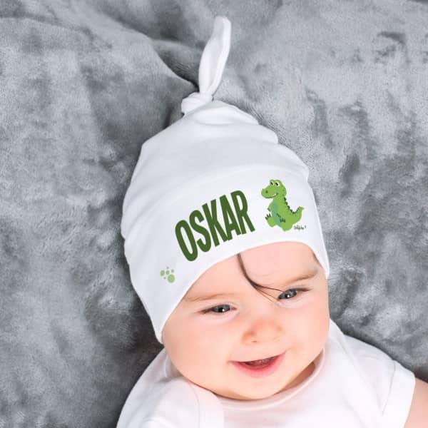 Niedliche weiße Babymütze