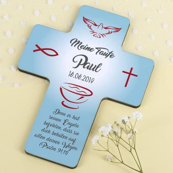 Taufkreuz für Jungen in hellblau mit rotem Fisch und Kreuz, Name, Taufdatum und Wunschtext