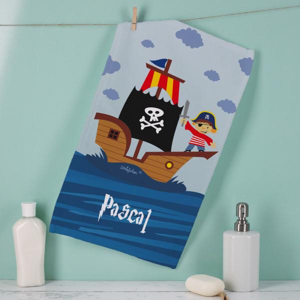Handtuch mit Piratenmotiv und deinem Namen