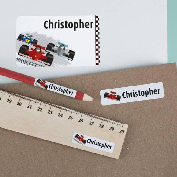 Aufkleber mit Formel Rennwagen und Wunschname