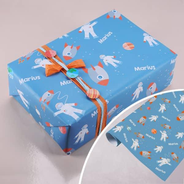 Geschenkpapier -Weltraum- mit Wunschname